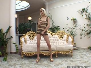Jasmine Rouge - Bombastic Blonde