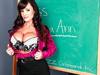 Big Tit Milf Lisa Ann is double-penetrated in hardcore gang-bang