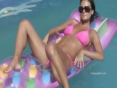 Sexy Bikini Teen In Pool Gets Horny