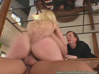 Hot Blonde Amateur Swinger Swings