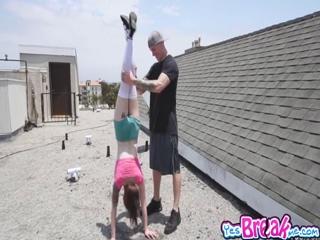 Cutie Puts Her Legs Behind Her Head