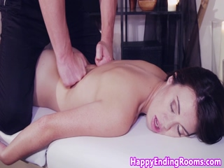 Massaged eurobabe blows dracula masseur
