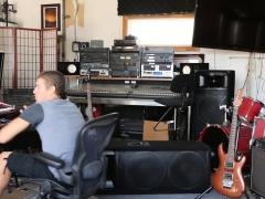 Lead Guitarist Bangs Hot Italian Groupie In His Studio