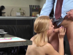 Cute College Girl Is Tempted And Plowed By Elderly Me37vgi