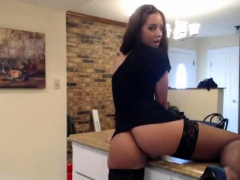 Kyra Queen With Stocking Playing On Live Cam