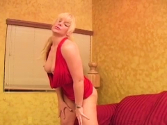 Lewd Hottie 's Vagina Filled With Fuck Stick