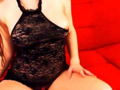 Shapely Brunette Bares Naughtiness On Webcam
