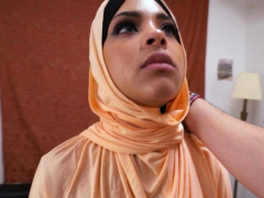 Arab Beauty Goes Down On Dick