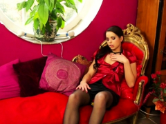 Alluring Lesbian Honey Gest Her Wet, Shaved Cunt Dildoded