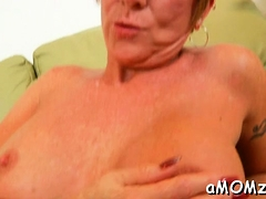 Hot-tempered Maiden Honey Ray Enjoys Every Second