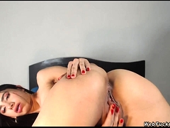 Hot Ass Babe Rubs Pussy On Webcam
