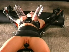 Sex Appeal Diva Is Gently Fingering Her Love Tunnel